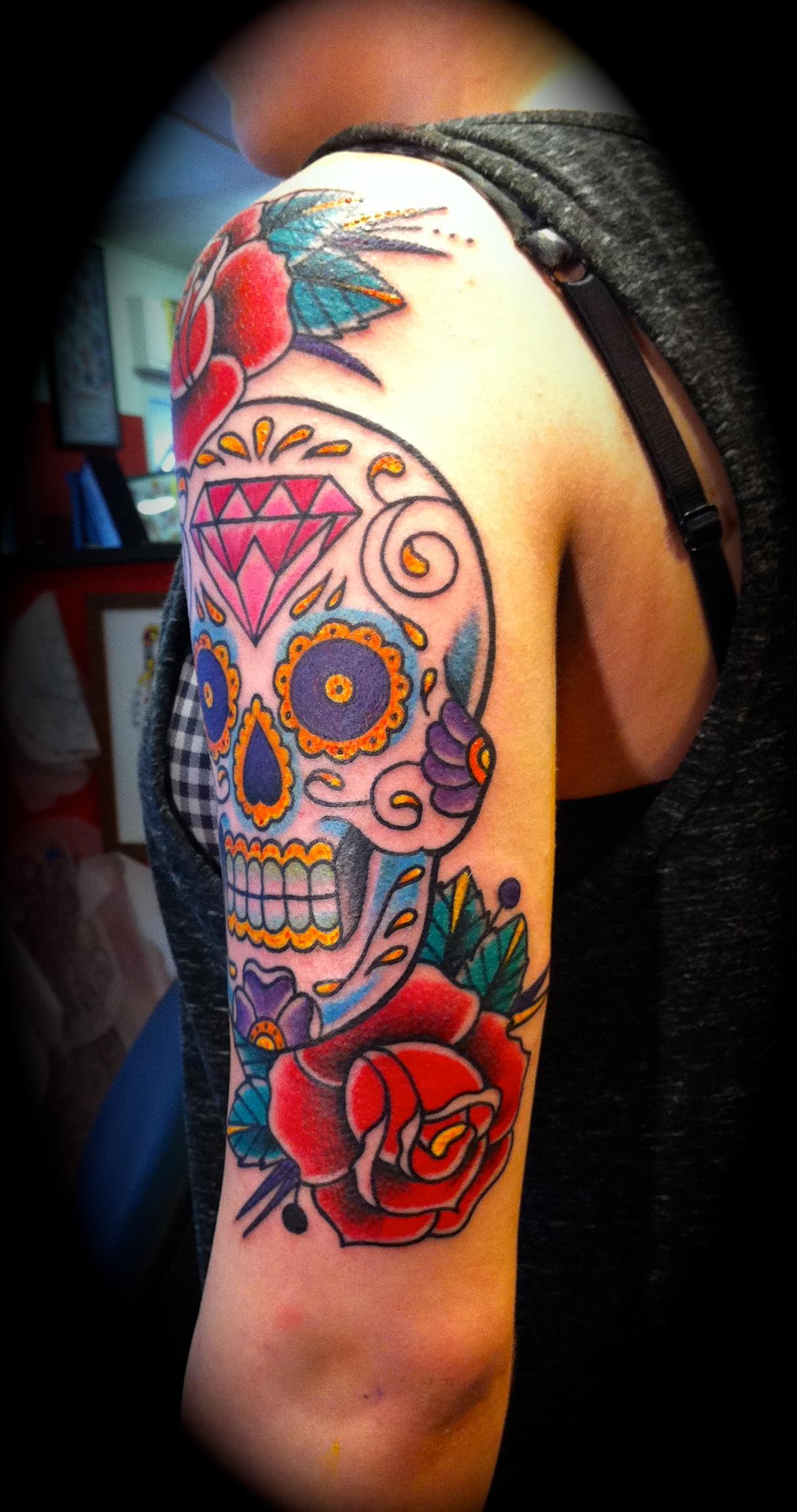 sugar skull iron monkey tattoo und piercing